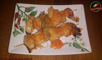 Spiedini di pesce con salsa piccante di habanero